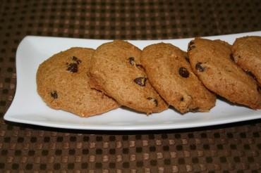 Vegan Chocolate Chip Cookies (Cakies)